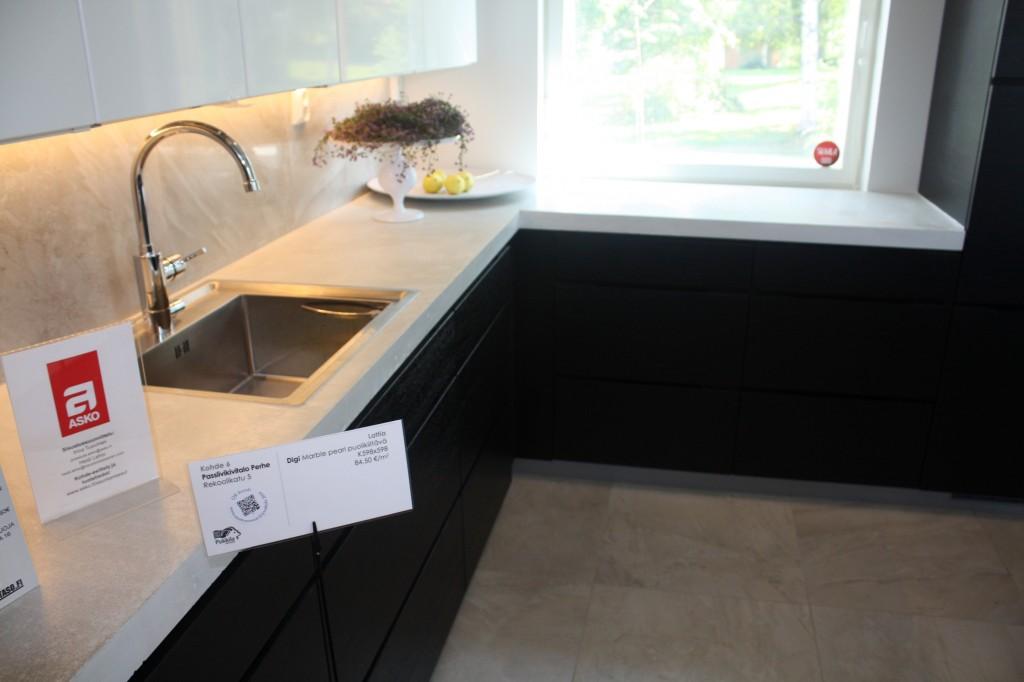 Talo 5 - Käpylä 221 Tässä äskeisen kuvan tarkoittama keittiö.