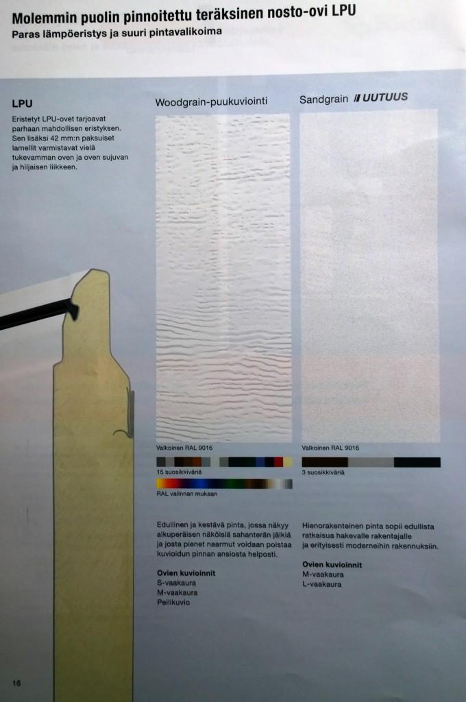 Oven poikkileikkausta ja pintakuviota. Meille tulee tuo oikeanpuoleinen eli Sandgrain ja väri on vakiovalkoinen RAL9016 (jonka mukaan tuli myös ikkunoiden ulkoväritys)