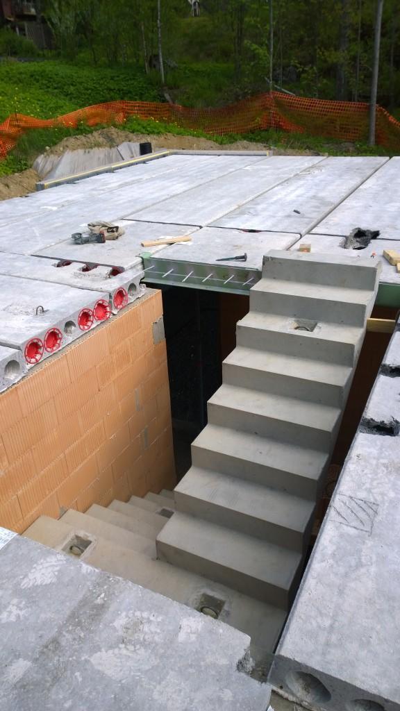 Lähempi katsaus portaikkoon.